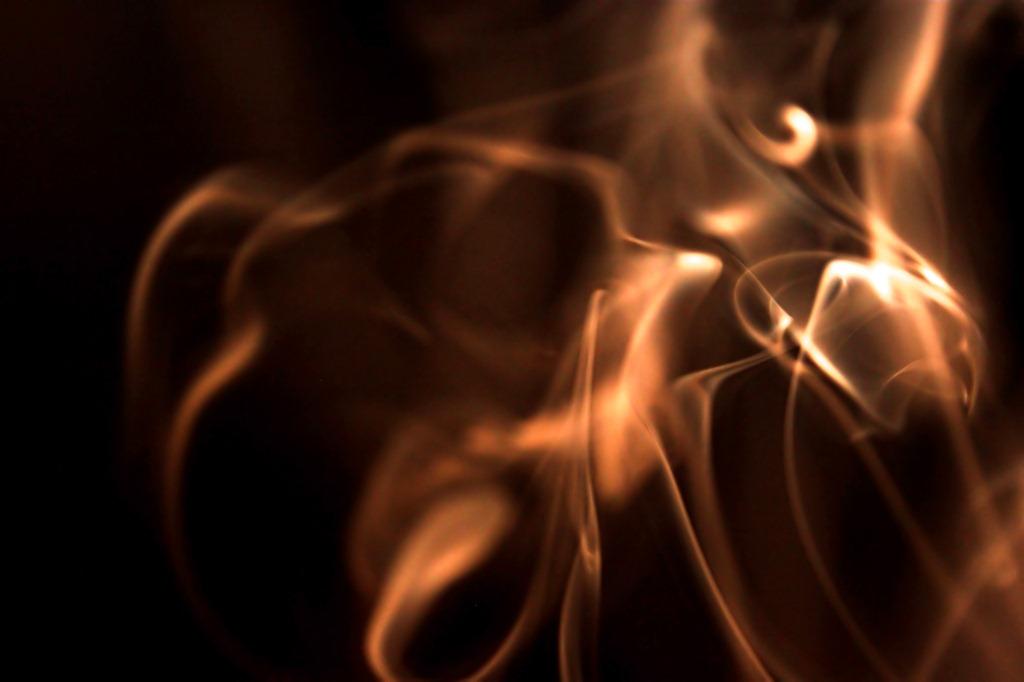 fumes-854312_35689530