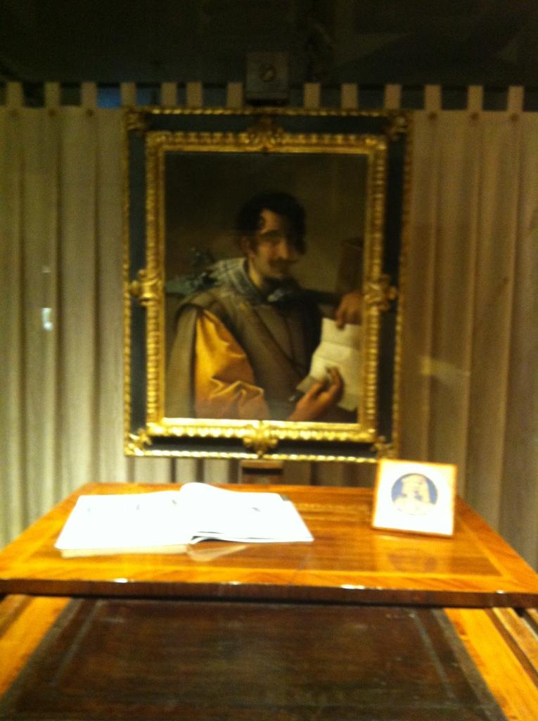 A Florentine gentleman, caught in an antiques shop window.